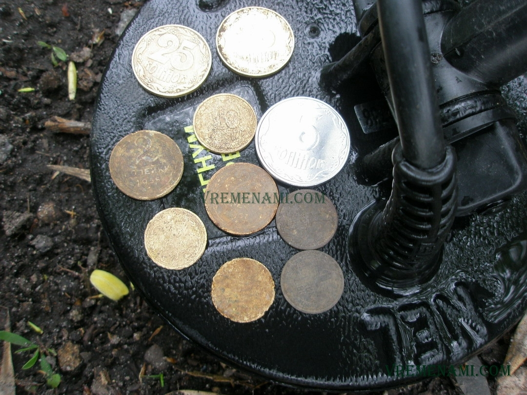 копанные монеты весной металлоискателем