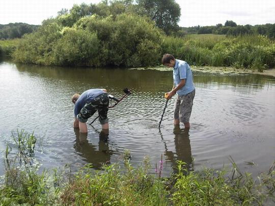 поиск металлоискателем в воде
