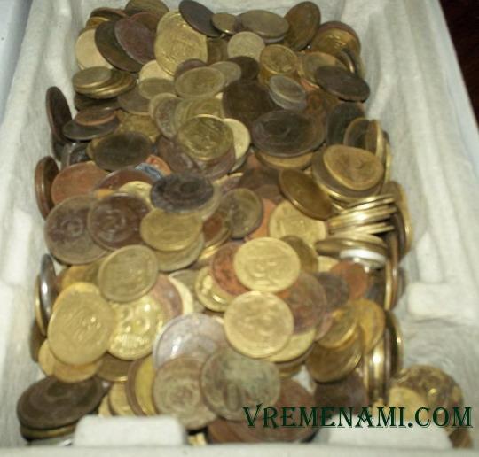 коробка найденных монет