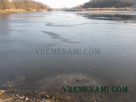берега реки