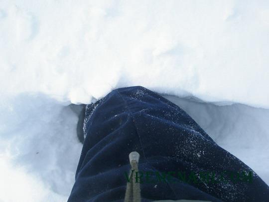 снега по колено