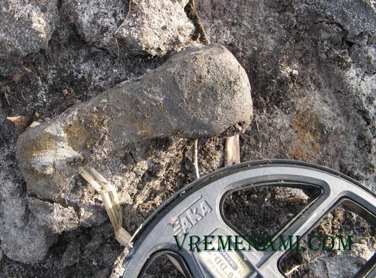 только выкопанный топорик