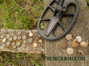 Макро Рейсер2 монеты