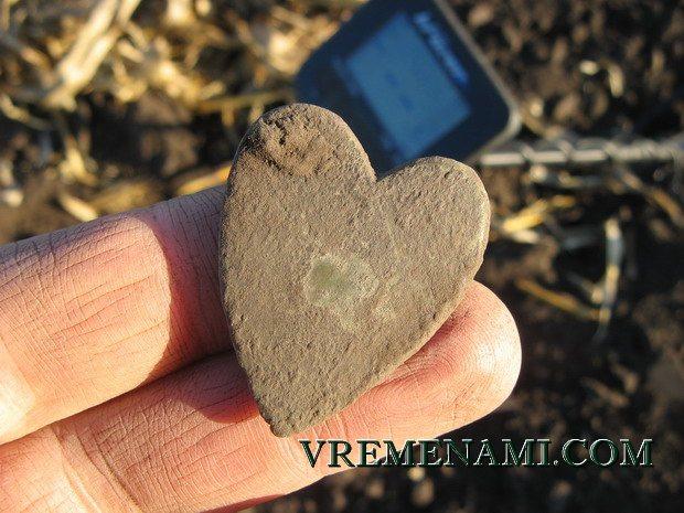 сердце из бронзы